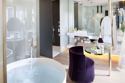 barcelona-suite-suite-bathroom-1